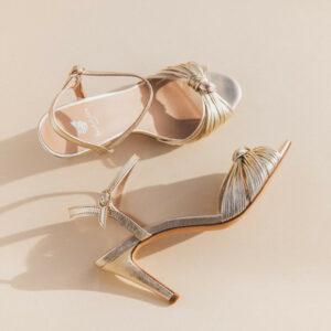 La cosmique or champagne chaussures bobbies